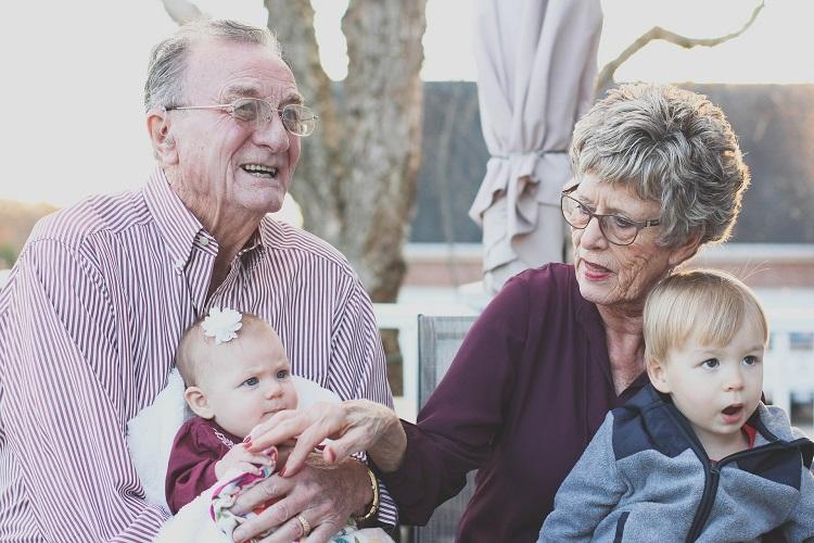 2-elderly-couple
